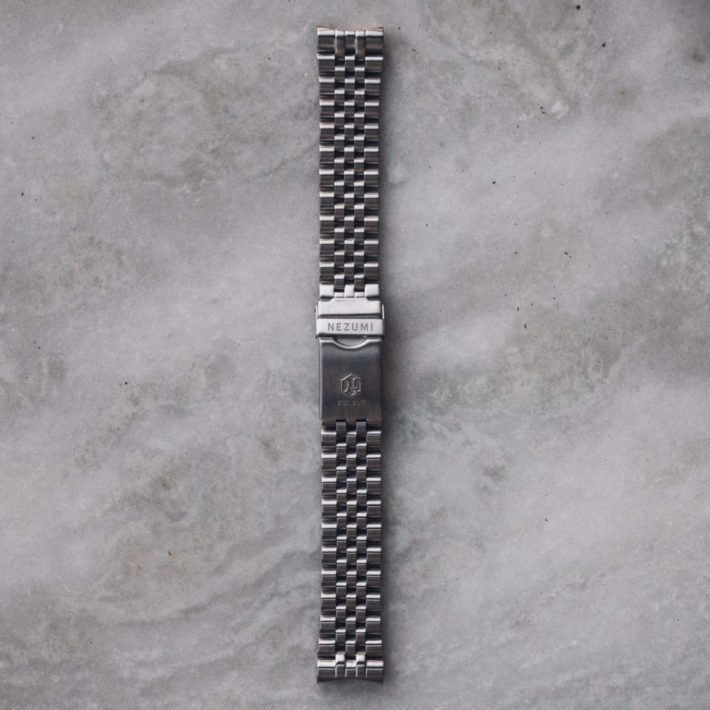 Nezumi Studios Stewart jubilee watch bracelet close up