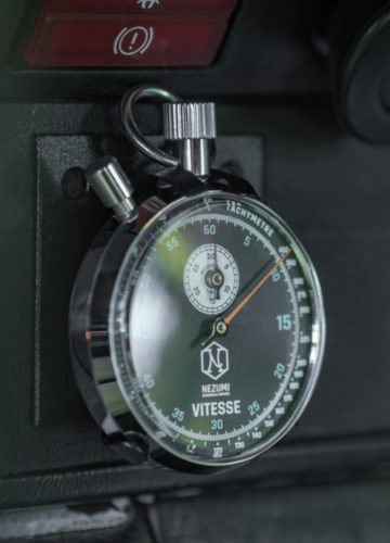Nezumi Studios Vitesse racing lap time watch for classic sports cars