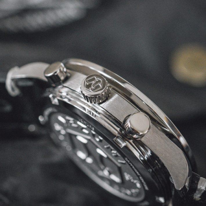 Nezumi Studios Voiture racing chronograph watch crown close up