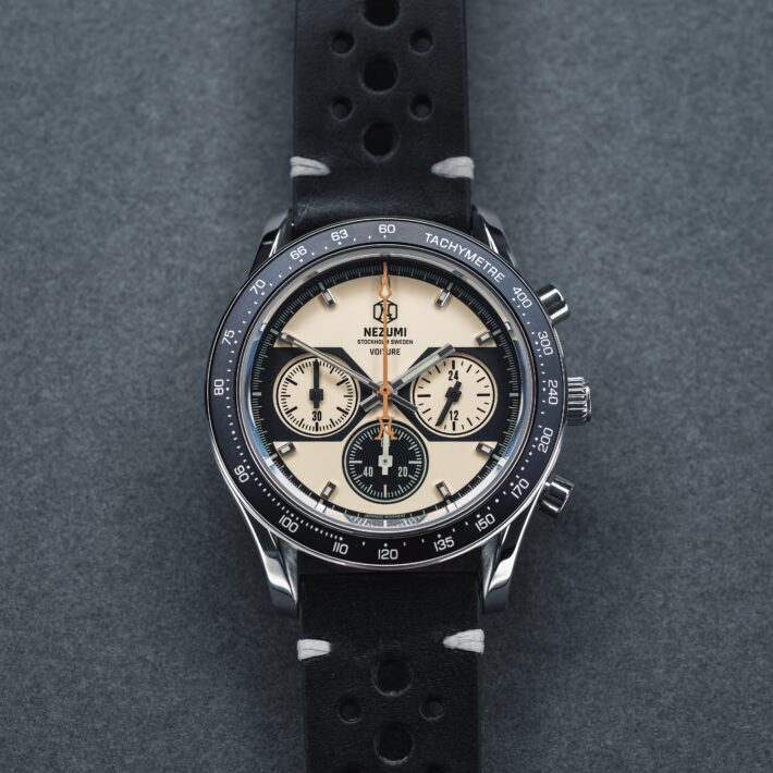 Nezumi Studios Watch Voiture racing chronograph with leather strap